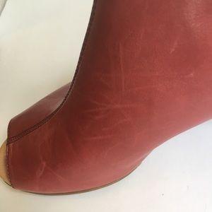 173d52349d1 Earth Shoes - Earth Kristy Wide Peep Toe Leather Heels-Size 8.5D
